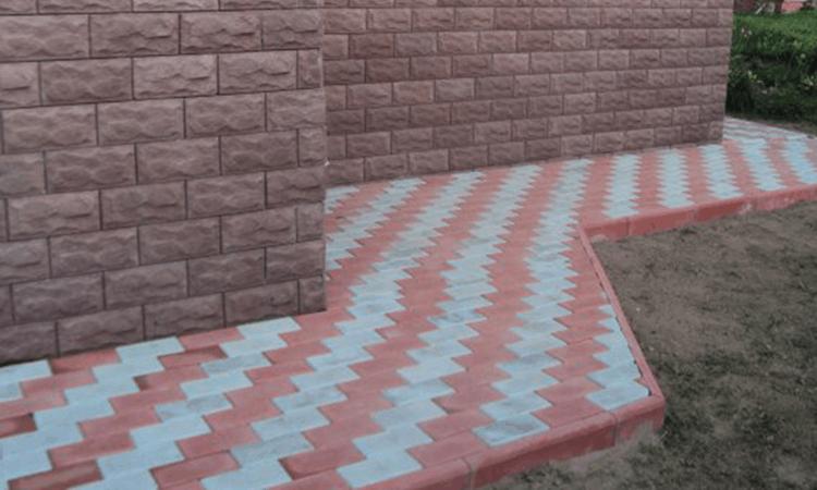 Отмостка вокруг дома из тротуарной плитки. Разновидности покрытия.