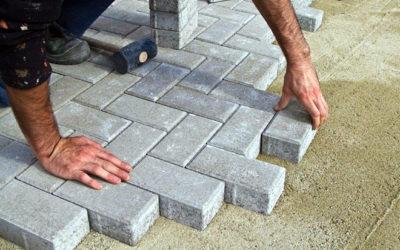 Как самому уложить тротуарную плитку: пошаговая инструкция