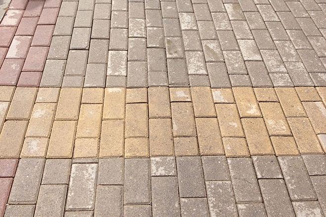Всё, что нужно знать про высолы на тротуарной плитке
